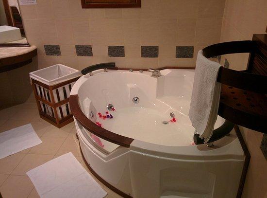 Ravintsara Wellness Hotel: IMG_20160920_152724_large.jpg