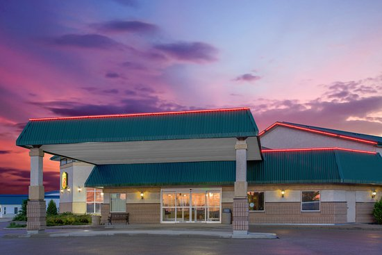 Super 8 Portage La Prairie MB: Welcome to the Super 8 in Portage la Prairie!