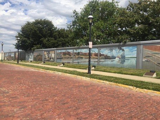 Floodwall Murals: photo1.jpg