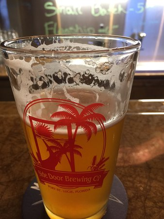 Port Saint Lucie, FL: Side Door Brewing Company