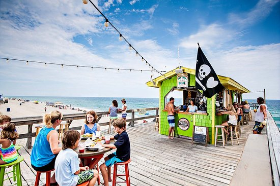 Carolina Beach, NC: Tiki Bar fun