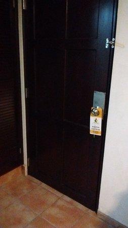Avila Hotel Panama: Puerta Principal Habitacion