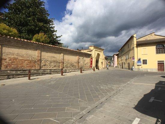 San Giustino, Italia: Vista dai tavoli esterni