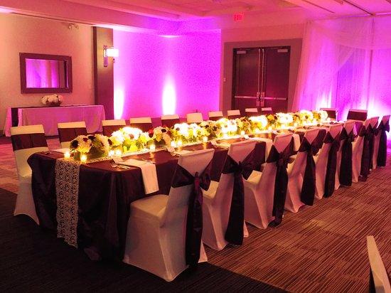 Four Points By Sheraton Cincinnati North Wedding Head Table