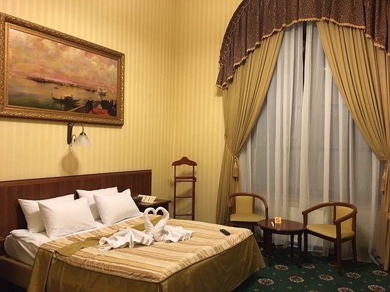 Hotel Ayvazovsky: Our room