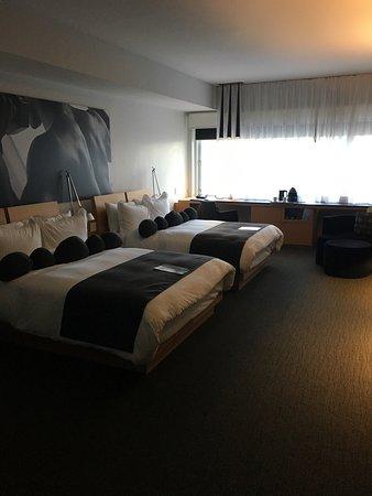 Hotel Le Germain Maple Leaf Square: photo0.jpg