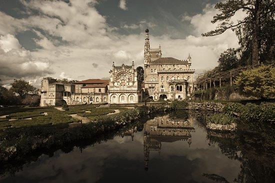 Bussaco, Portugal:  Прекрасный дворец, чудесный парк