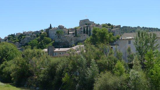 La Fête en Provence: Vaison la Romaine hill town in Provence