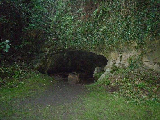 Catsby Cave: grotta del rifugio
