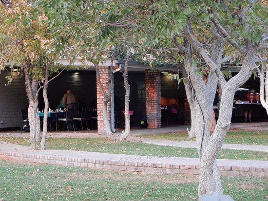 Khorixas, Namibia: Outdoor dining