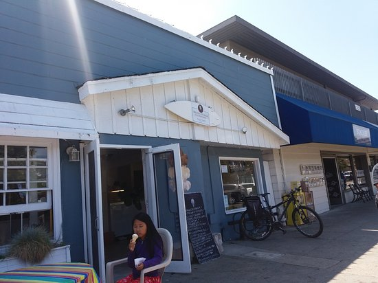 Belvedere, CA: Store