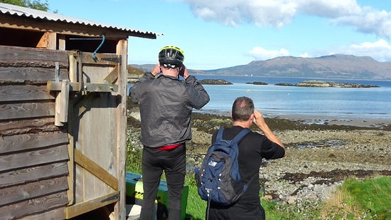 Knoydart Peninsula, UK: We couldn't get enough of the view ( They will lend you binoculars to make sure you take it all