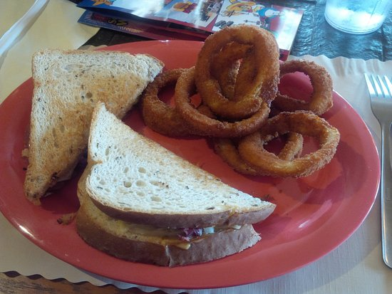 Hamer, SC: Reuben and onion rings