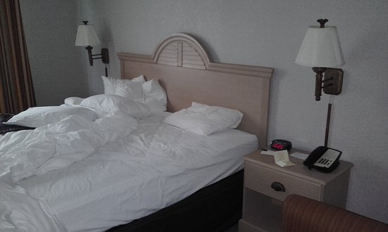 Country Inn & Suites By Carlson, Miami (Kendall): Very good bedroom...
