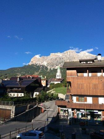 Panorama dei monti di cortina foto di hotel meubl villa for Hotel meuble villa neve