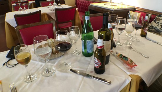 Ristorante Giovanni dal 1933: Our table before having lunch