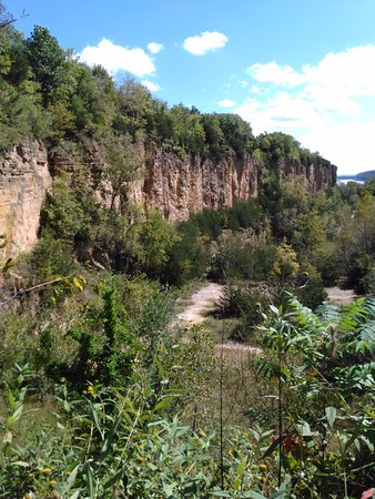 Dubuque, IA: Cliffs at Mines of Spain