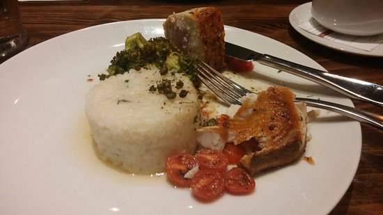 Woodland, CA: Cobia plate showing fish, rice cake, broccoli and grape tomato