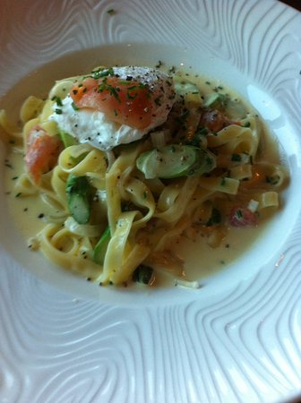 Trio: Smoked salmon pasta with a poached egg