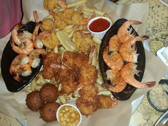 South Plainfield, Nueva Jersey: Now this is a plate of Shrimp, the pineapple dip was great. Look at all the shrimp
