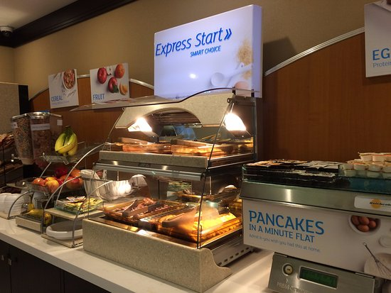 Holiday Inn Express Hotel & Suites Waterloo - St Jacobs: breakfast area