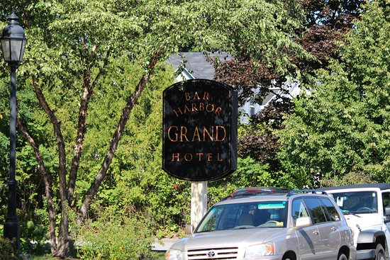 Bar Harbor Grand Hotel: Hotel Sign