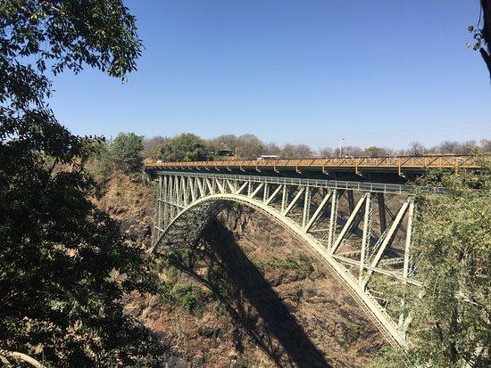สะพานข้ามแม่น้ำซัมเบซิ