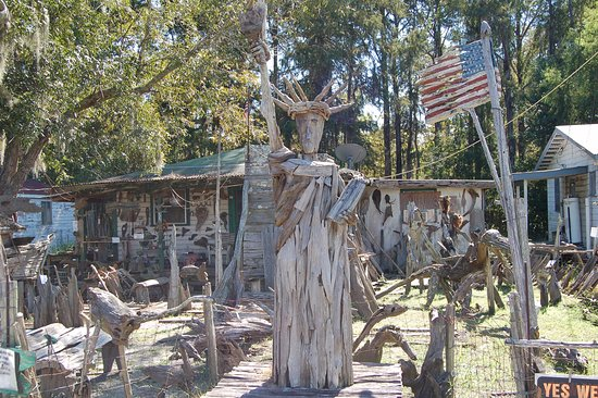 Pierre Part, LA: Driftwood Statue of Liberty