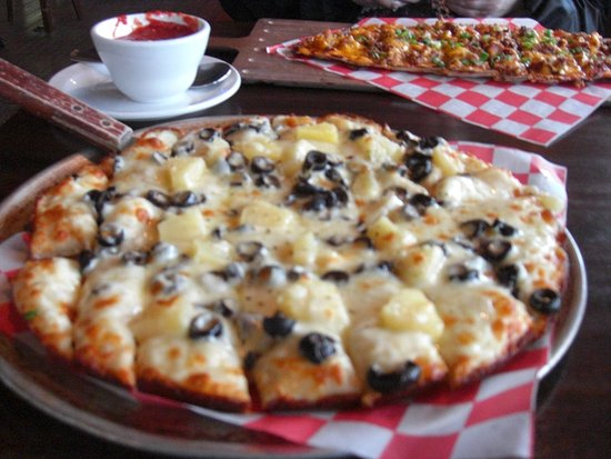 Spicer, MN: Perfect Pizza