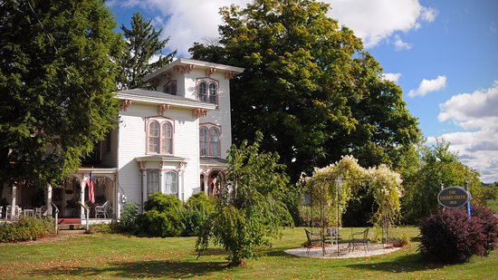 Cherry Creek, NY: Charming Inn