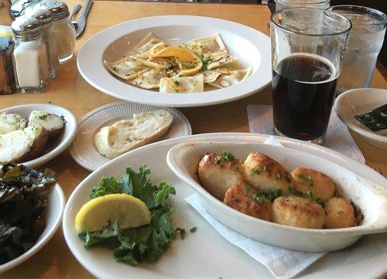 MacLeod's Restaurant: photo0.jpg