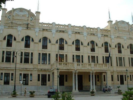 Palazzo delle Poste E Telecomunicazioni