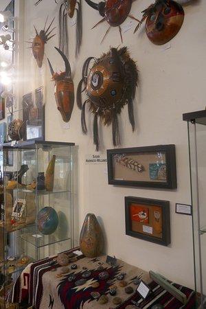 Artists Gallery Sunriver: Beautiful art and handicrafts
