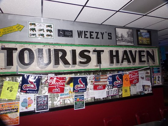 Hamel, IL: Honoring Tourist Haven at Weezy's Route 66 Bar and Grill