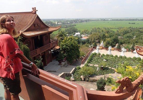 Sam Mountain : Snake Cave temple looking toward Cambodia
