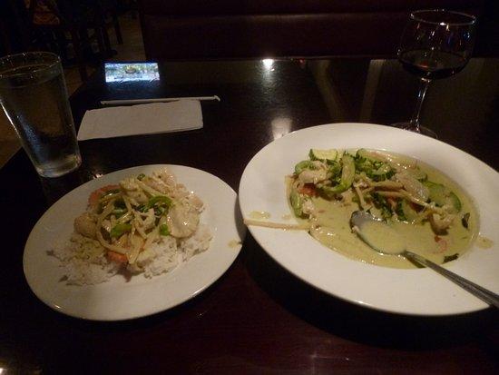 North Miami Beach, FL: Siam Square green chocken curry