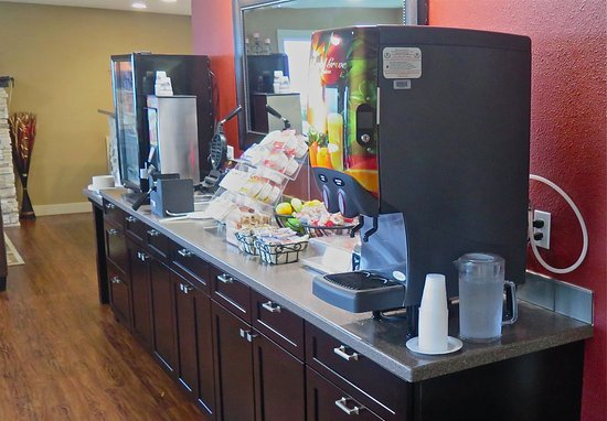 Astoria Crest Motel: Great breakfast and beverage options