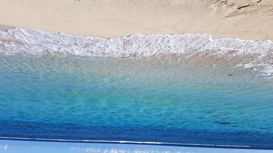 Lalomanu Beach: Pristine clear calm lagoon. By far the best beach in Samoa