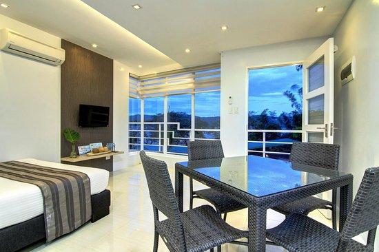 Family Room | Anilao Awari Bay