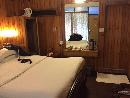 Alka The Lake Side Hotel Photo