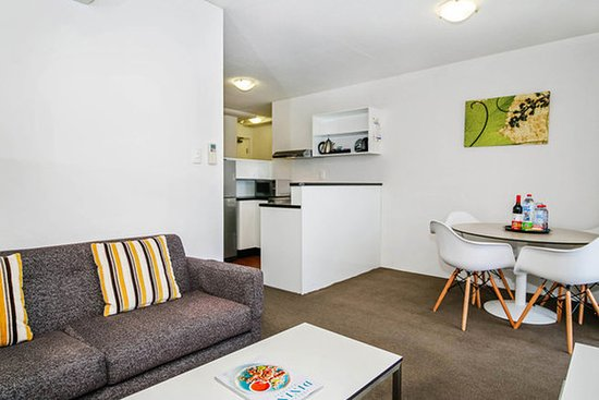 BreakFree Adelaide: 1 Bedroom Apartment