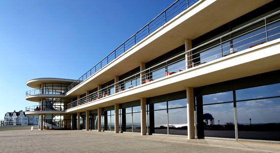 Bexhill-on-Sea, UK: Exterior of De La Warr Pavilion - Built in 1936. Architects Mendelsohn and Chermayeff.