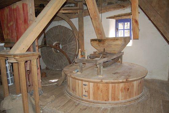 เควสเทมเบิร์ท, ฝรั่งเศส: Intérieur  du Moulin de Lançay à Questembert