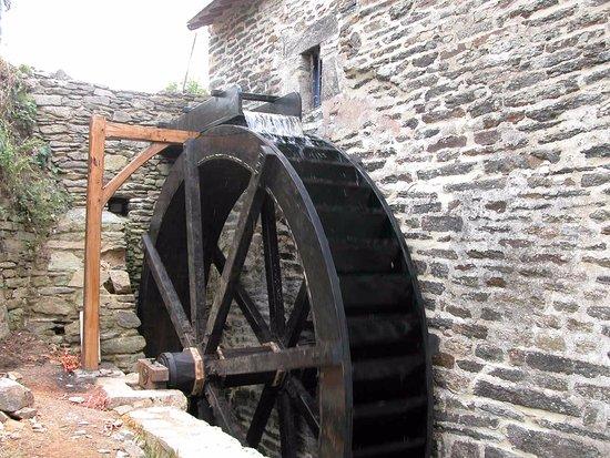 Grande roue - Moulin de Lançay à Questembert