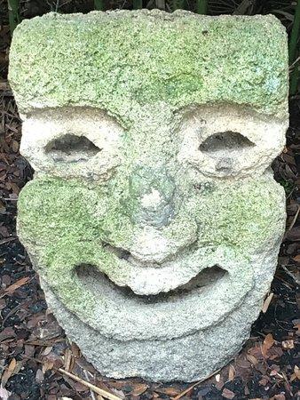Washington Oaks Gardens State Park: Sculture du jardin
