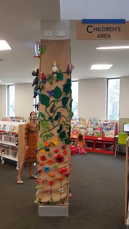 ‪Byron Bay Library‬
