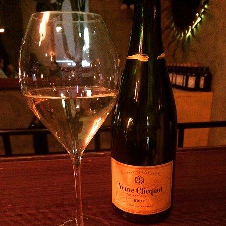 Baila Bar & Club: bubbles