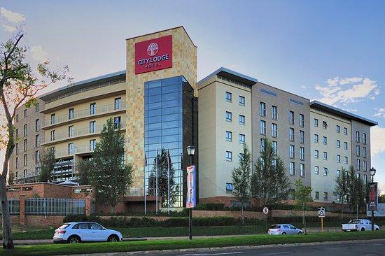 City Lodge Hotel Fourways : Exterior