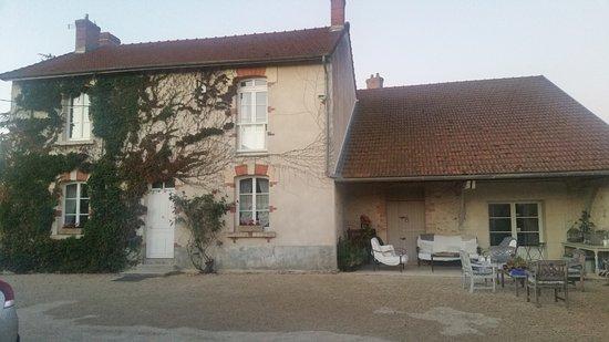 Brouillet, فرنسا: Bâtisse des chambres d'hôtes