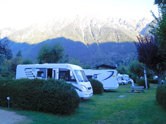 Camping ile des barrats updated 2017 campground reviews for Camping chamonix piscine